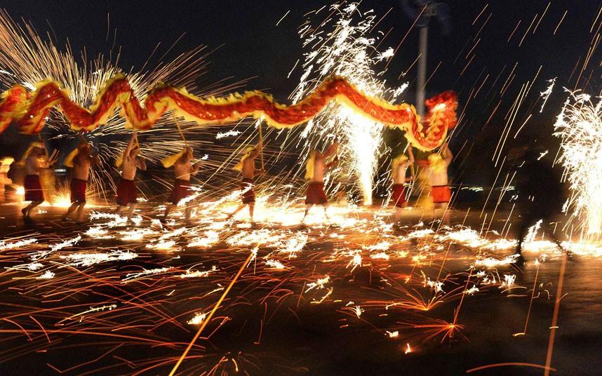 snake-fire-dance_2471457k